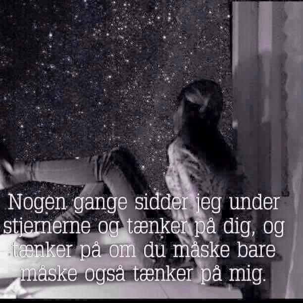 Sidder under stjerne. - DAGENSDELER.DK